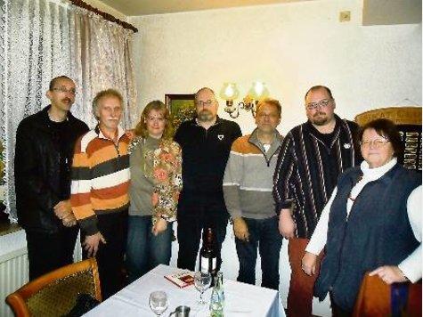 Der neue und alte DGB-Kreisvorstand (v.l.): André Czaplinski, Charly Braun, Karin Kroggel, Willi Cohrs, Hartwig Erb, Carsten Soltwedel und Renate Kapp.