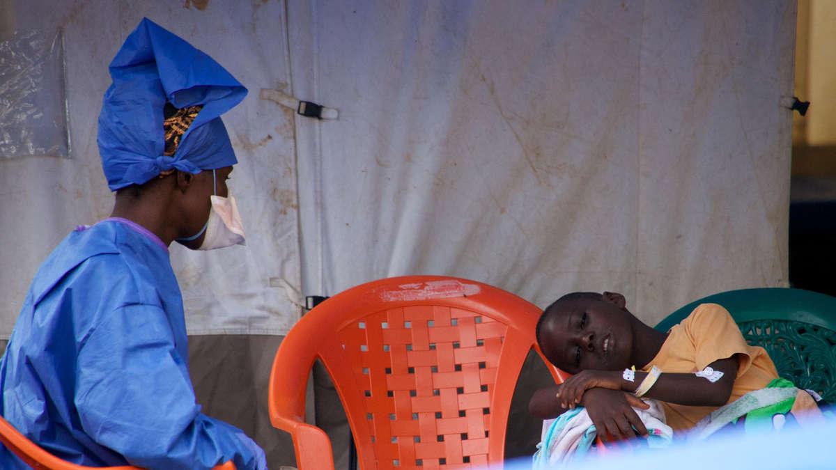 Experte ebola symptome bei kindern anders