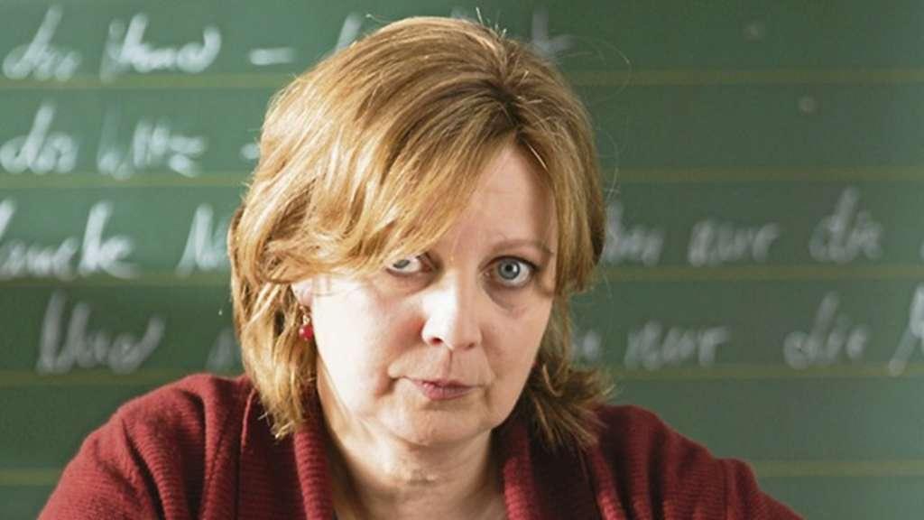 "Gabriela <b>Maria Schmeide</b> in einer Szene der neuen Wortmann-Komödie ""Frau <b>...</b> - 1832339056-341_008_2484272_sy_bremen_-2Ia7"