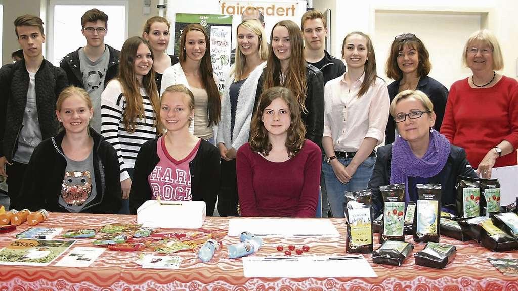 Ursel Kiekebusch, Christina Bachmann und Petra Sehrt (v.r.) sind ganz angetan vom Engagement der Schüler.
