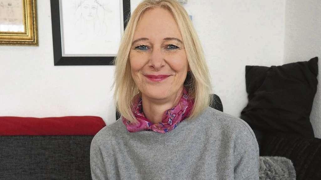 """Corinna Kohröde-Warnkens Buch """"Mein pinkfarbenes Leben mit Gott und Krebs"""" erscheint im Januar."""