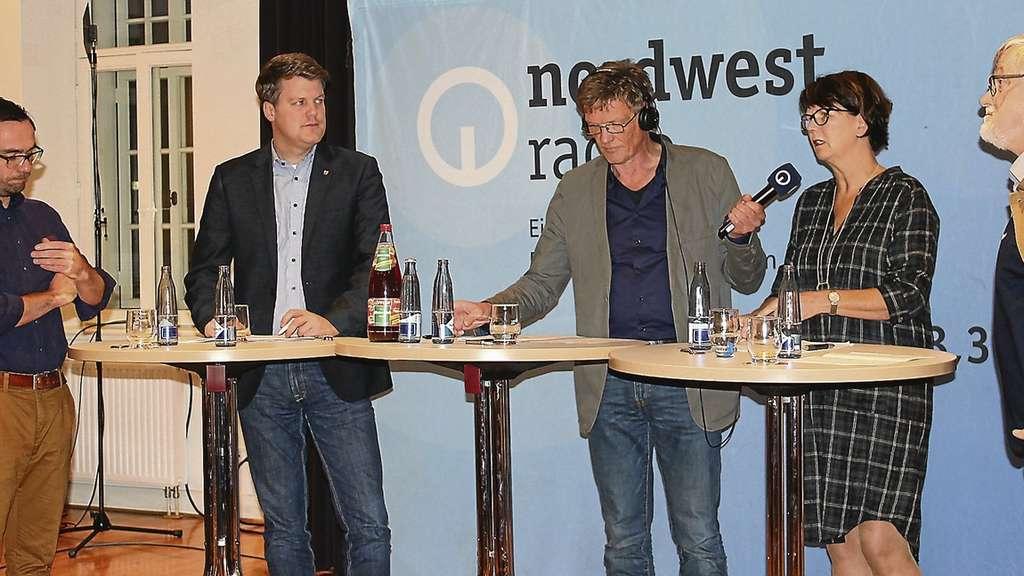 Ist die Alpha-Variante ein gelungener Kompromiss? Stefan Pulß (Mitte) sprach mit Marcel Winter, Arne Jacobs, Susanne Menge und Thomas Sandkühler (v.l.).