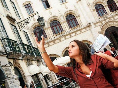 Das Smartphone ist für viele auch im Urlauber ein fester Begleiter. Da ist es nur sinnvoll, wenn ein Reiseveranstalter seine Kunden unterwegs mit nützlichenInfos versorgt.