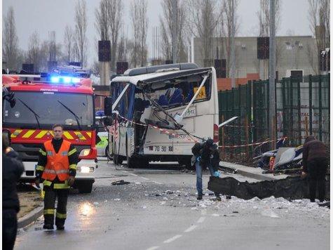 Busunglück in Frankreich: Sechs Jugendliche getötet