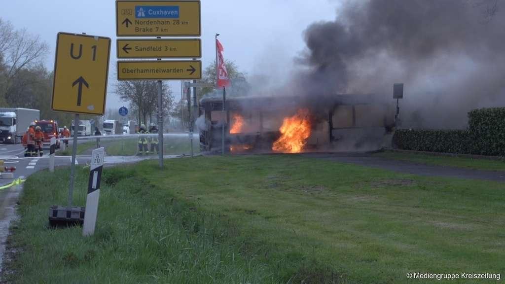 elsfleth wesermarsch linienbus brennt komplett aus oldenburg. Black Bedroom Furniture Sets. Home Design Ideas