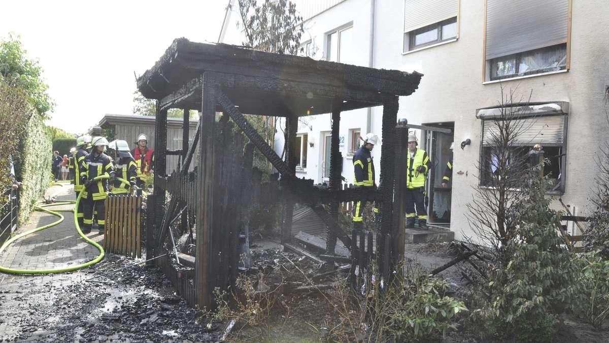 Dusche Fenster Im Weg : : Im Alma-Rogge-Weg brennt ein Holzschuppen komplett nieder, Fenster