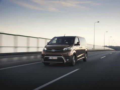 Toyota bringt zu Preisen ab 35300 Euro den Proace auf den Markt.