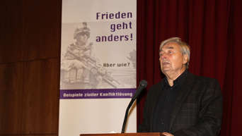 Dr. Werner Kreft befasste sich mit der Geschichte des Kirchenkreises Lübbecke vor und während der NS-Zeit. - Fotos: Russ