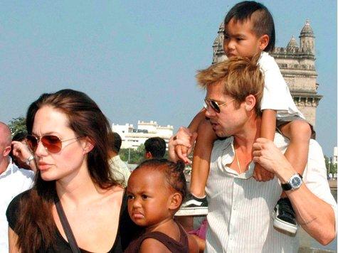 Keine Privatsache Gericht weist Brad Pitts Antrag ab