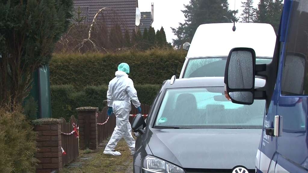 Frau (18) tot in Bergen gefunden - Polizei fahndet nach Freund des Opfers