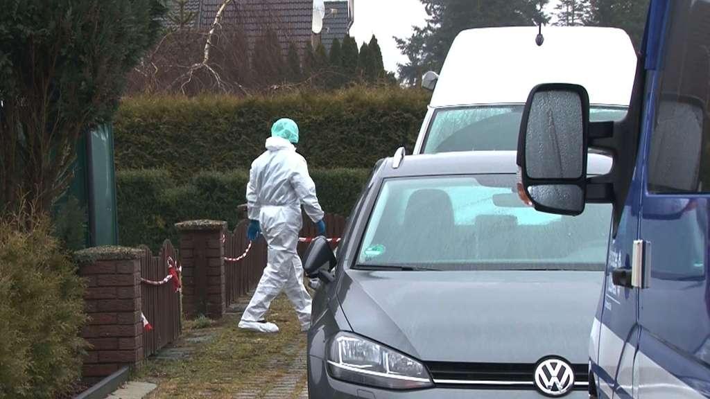 Jugendlicher sticht in Burgwedel (Niedersachsen) eine Frau nieder