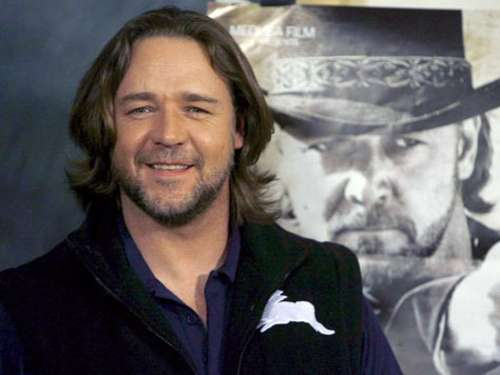 Russell Crowe hat die Spendierhosen an
