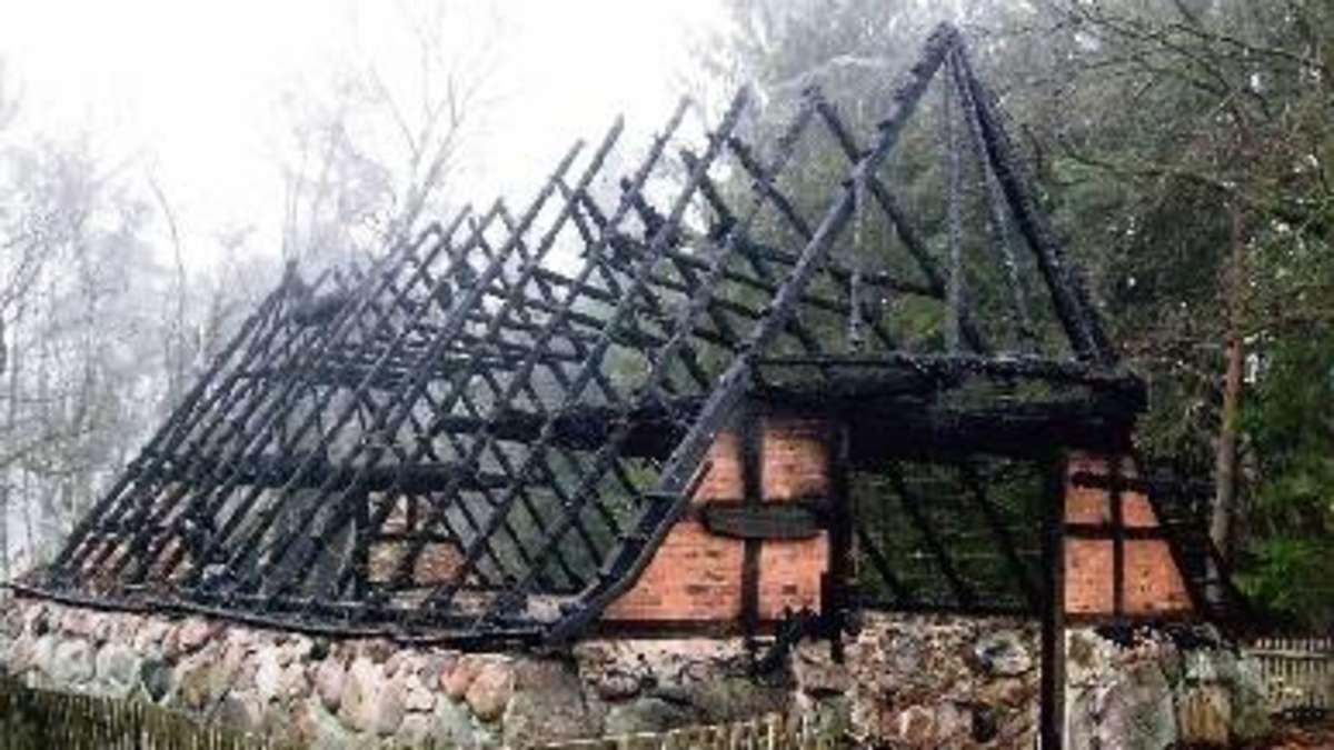 staatliches forstamt stellt altes eichenholz f r neuen schafkoben zur verf gung landkreis. Black Bedroom Furniture Sets. Home Design Ideas
