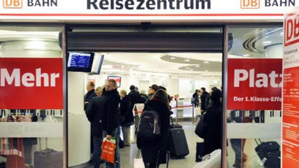 Warteschlangen in München: Trotz Personalmangels werden Stellen ...