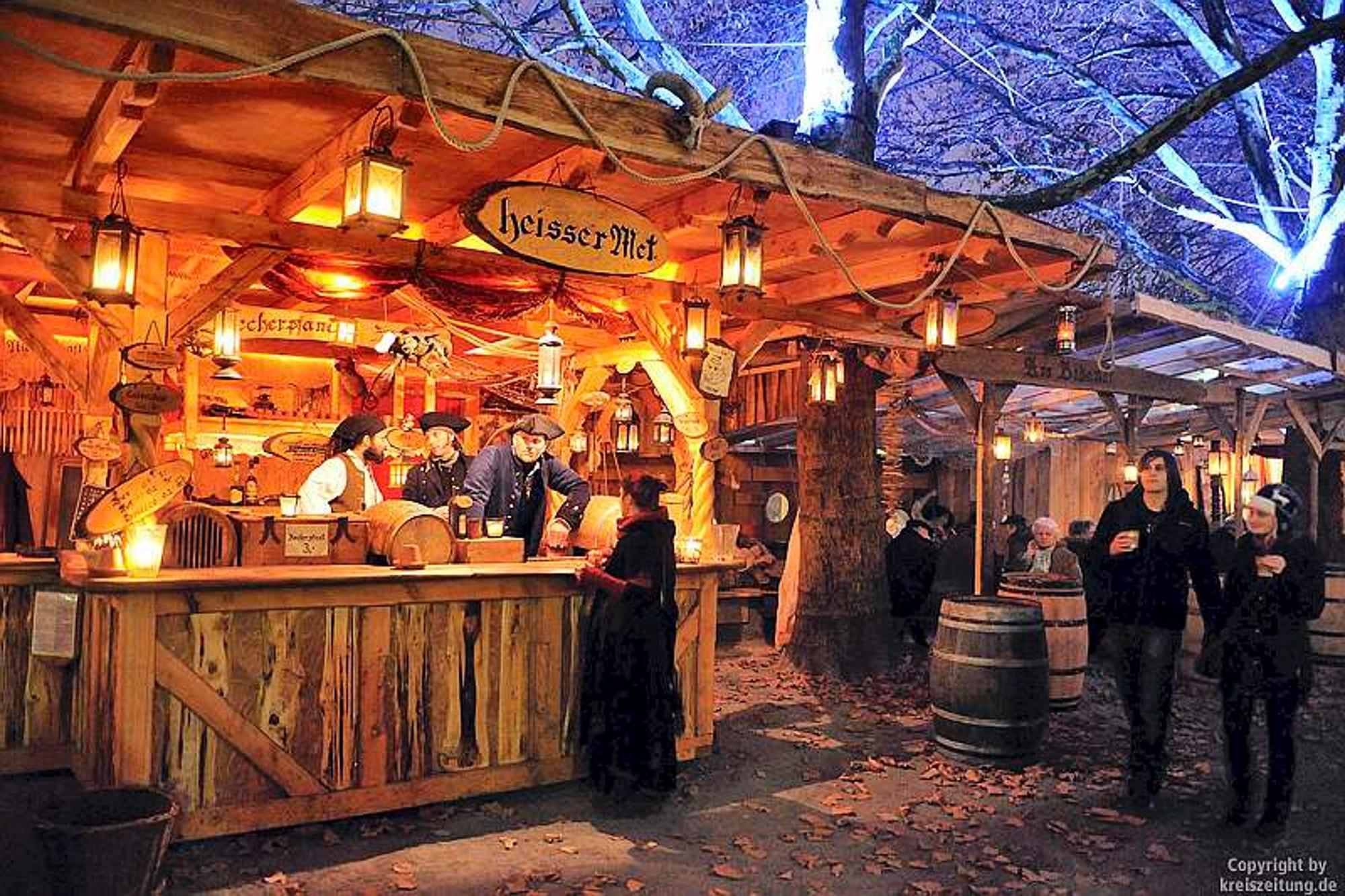Stände Weihnachtsmarkt.Schlachte Zauber Und Weihnachtsmarkt Eröffnet Seeräuber Auf