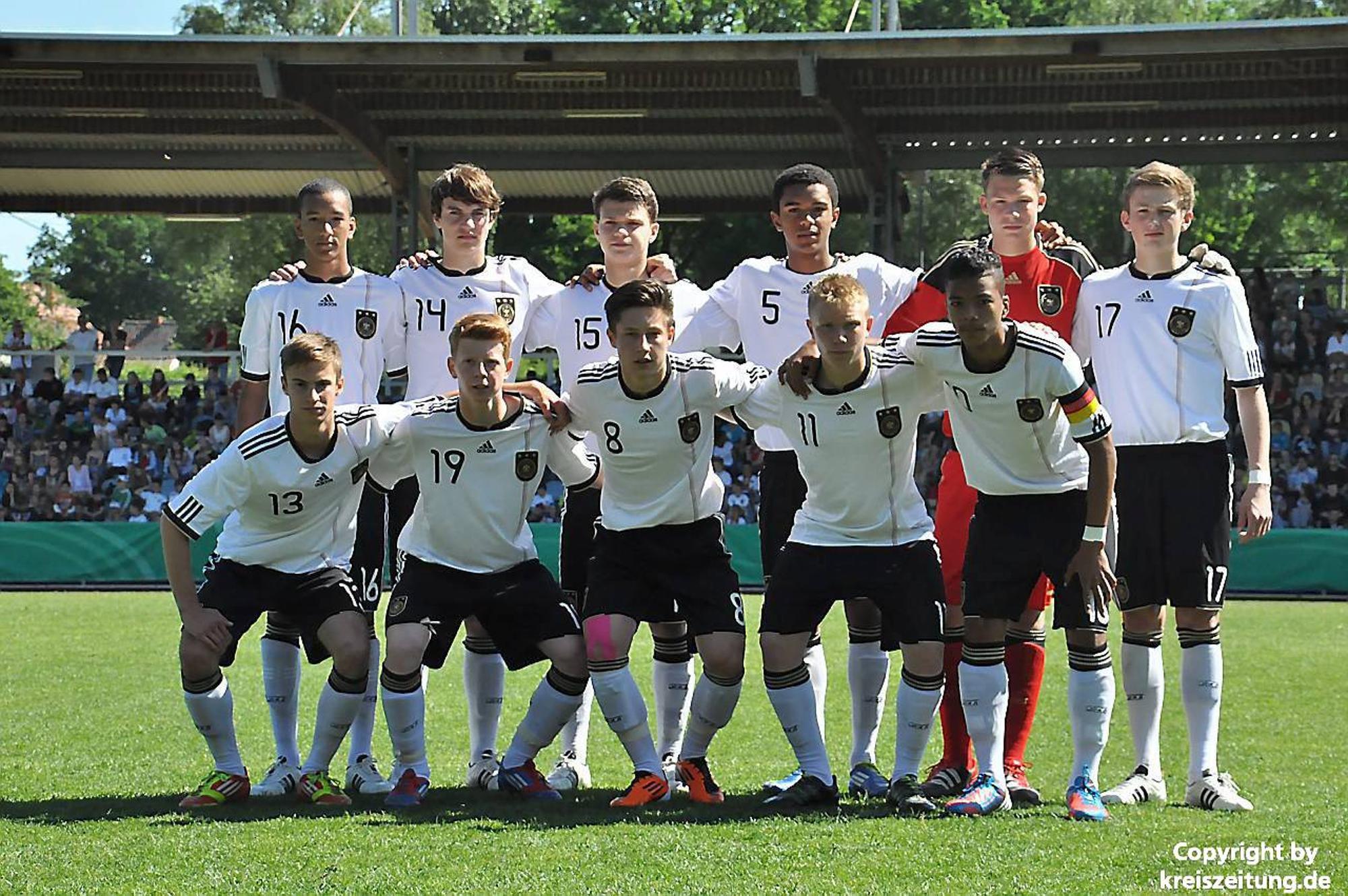 U15 Des Dfb Besiegt Niederlande Und Wird Von 3100 Fans In