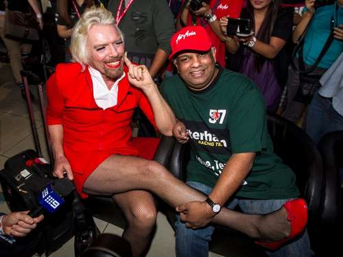 Virgin-Chef Branson als sexy Stewardess