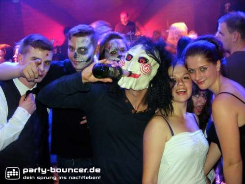Halloween Party in Janssens Tanzpalast in Cuxhaven