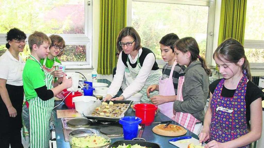 kochen in der delmeschule organisiert vom landfrauenverein harpstedt heiligenrode harpstedt. Black Bedroom Furniture Sets. Home Design Ideas