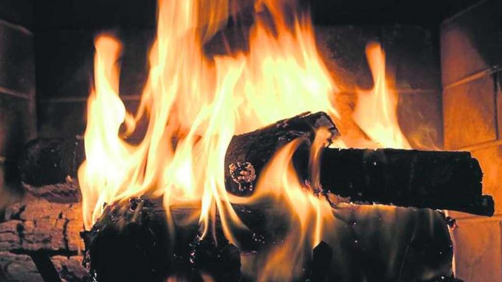 Ein Feuer Im Kamin Fr Die Einen Der Innbegriff Behaglichkeit Anderen