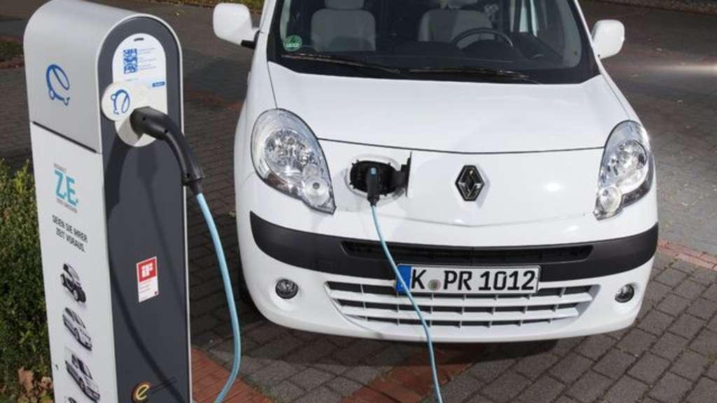 Auto Kühlschrank Handschuhfach : Elektromobilität und alternativer antrieb: burkhard peters ist mit