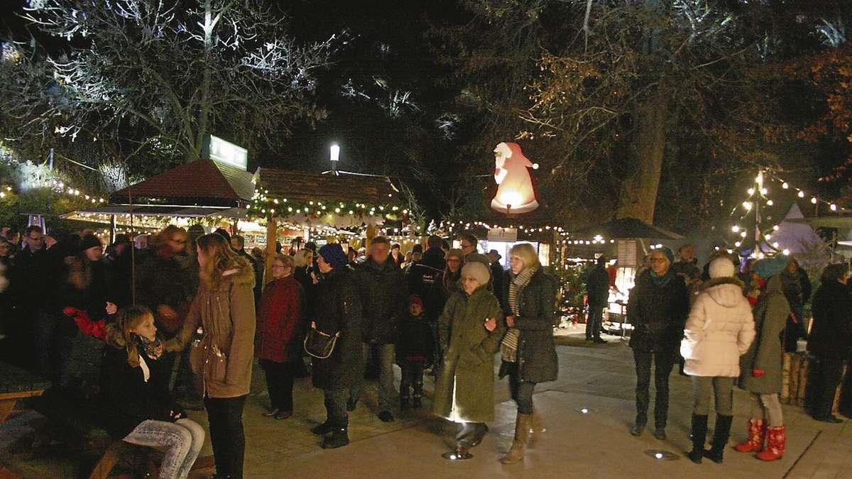 Weihnachtsmarkt auf dem Alten Markt lädt zum Gassenbummel ein | Rahden