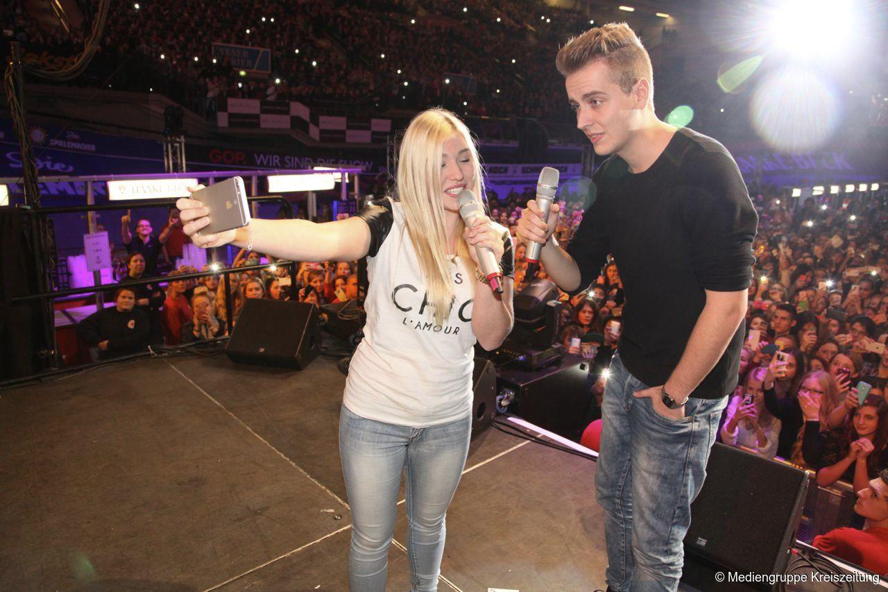 Youtube Star Bianca Heinicke Bei Ihrem Ersten Live Auftritt Bibis