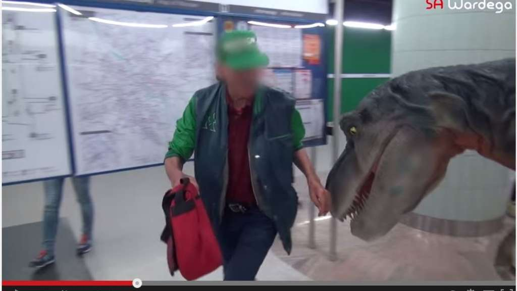 Dinosaurier Prankvideo Passend Zu Jurassic World Saurier Greifen
