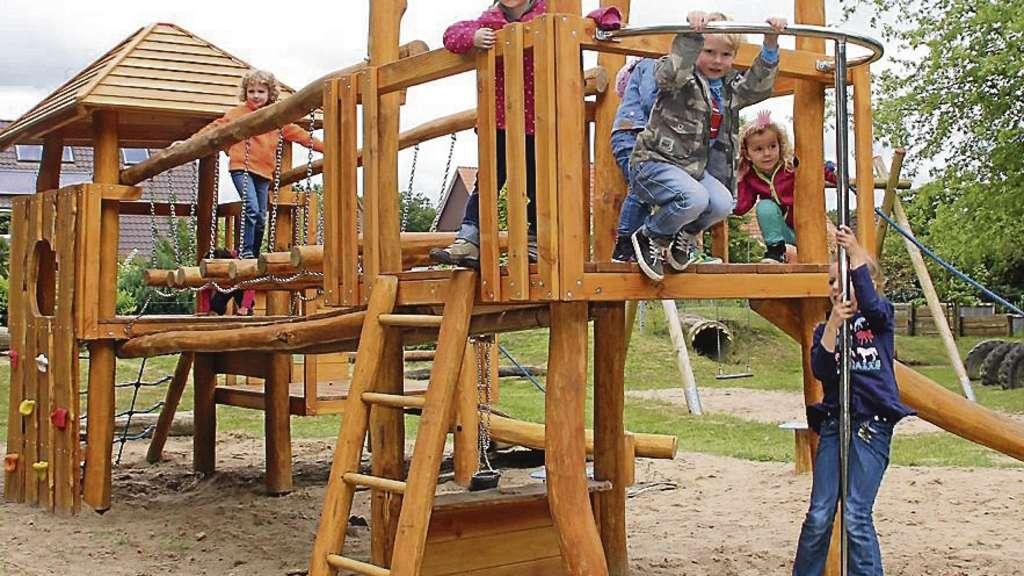 Kinder Klettergerüst Holz : Kinder freuen sich über umgestalteten spielplatz in helvesiek fintel