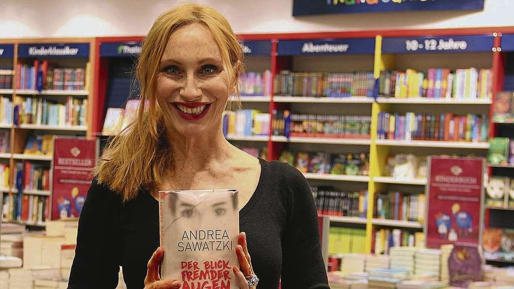 Andrea Sawatzki Liest Passagen Aus Ihrem Buch Der Blick Fremder