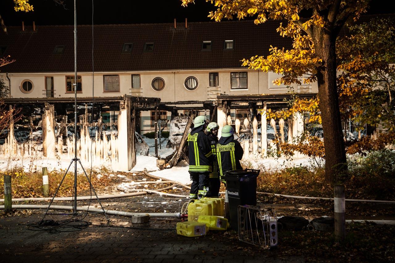 Feuer Bremen großfeuer in bremen horn carportbrand greift auf wohnhäuser über