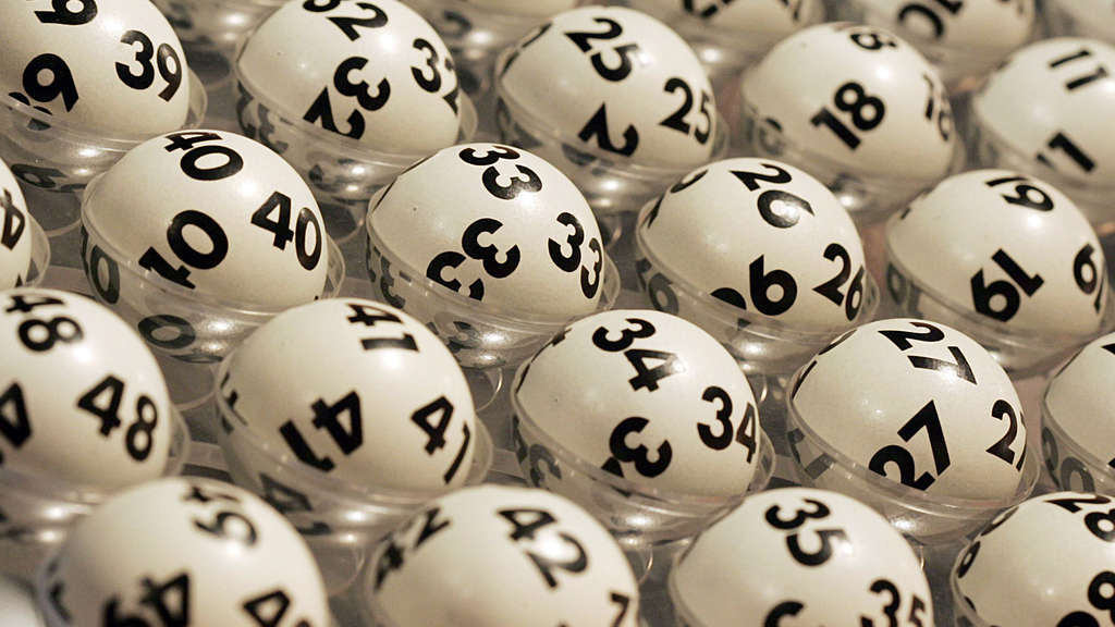 spieltisch ausstattung casino karten