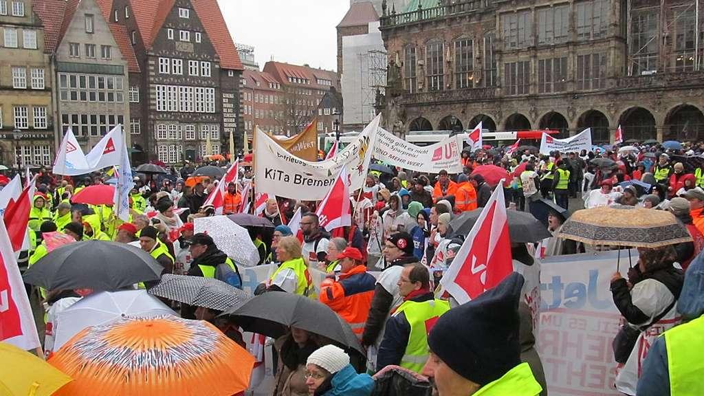 Bremer Fordern Mehr Lohn Warnstreik Im öffentlichen Dienst Bremen