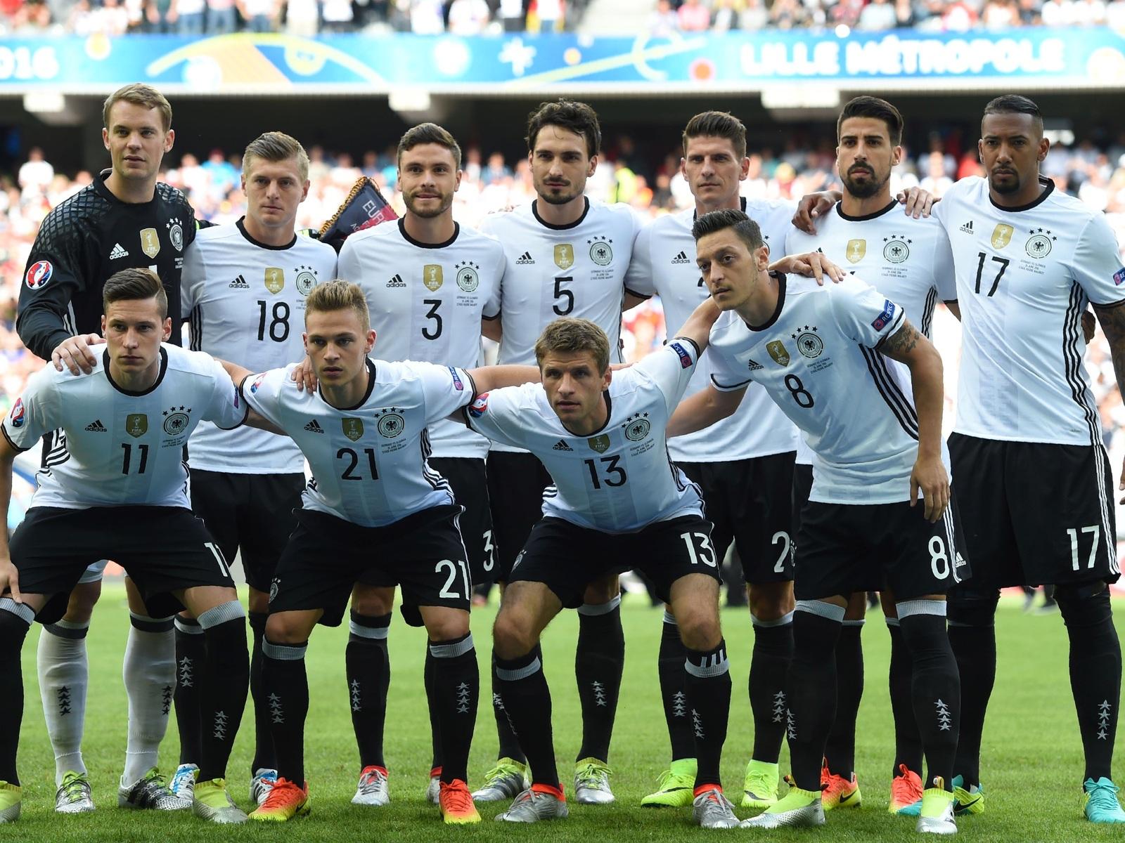Jetzt Da Die Aufstellung Von Deutschland Gegen Italien