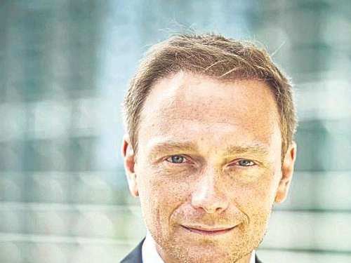 Lindner redet in Stenum