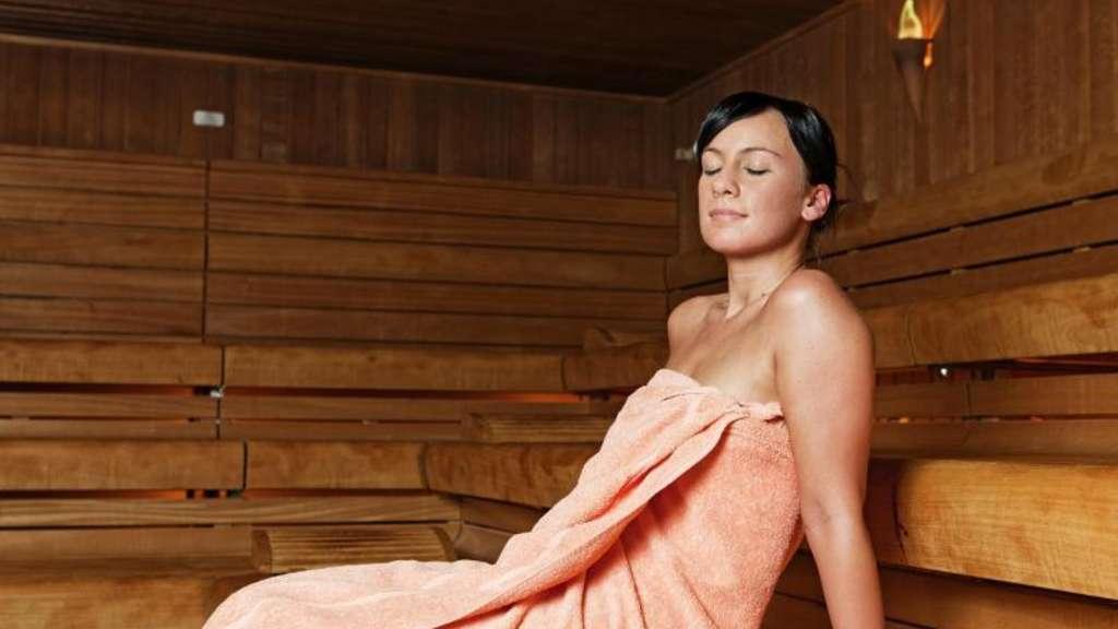 Was Bringt Sauna : hei e sauna kalte dusche was bringt abh rten gegen krankheiten gesundheit ~ Whattoseeinmadrid.com Haus und Dekorationen