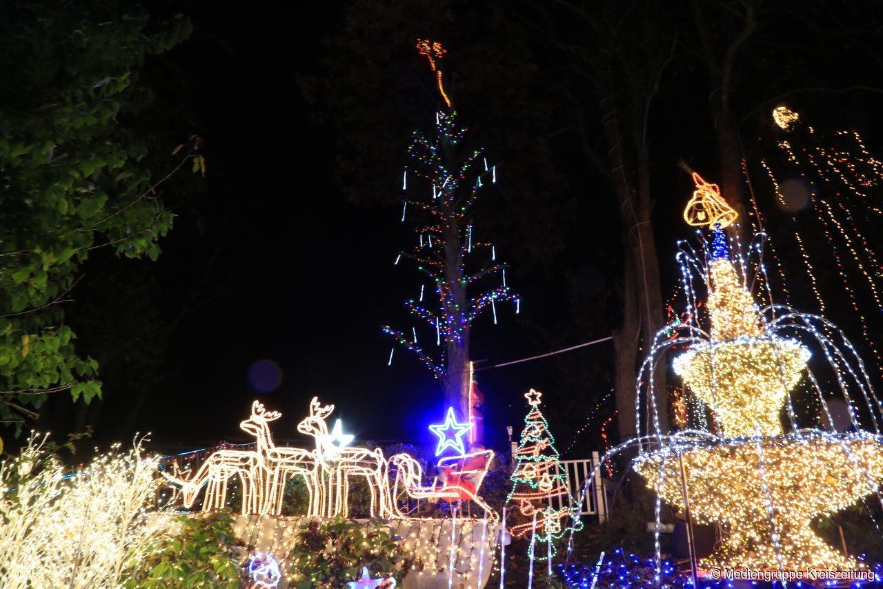 Kalle Niedersachsen Weihnachtsbeleuchtung.Weihnachtshaus In Calle Leuchtet Wieder 500 000 Lichter Im Advent