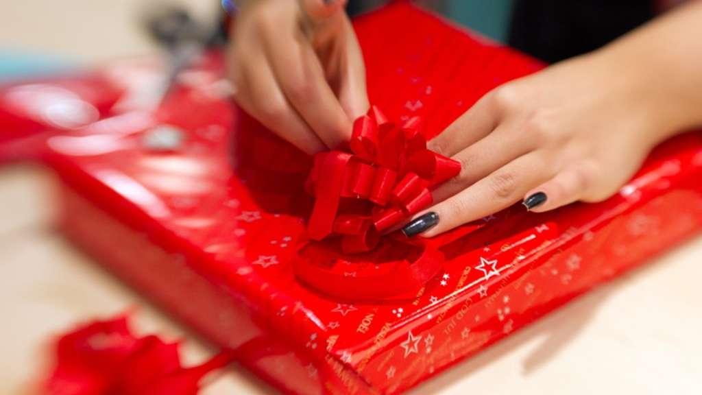 Unerwünschte Geschenke zu Weihnachten wieder los werden - fünf Tipps ...