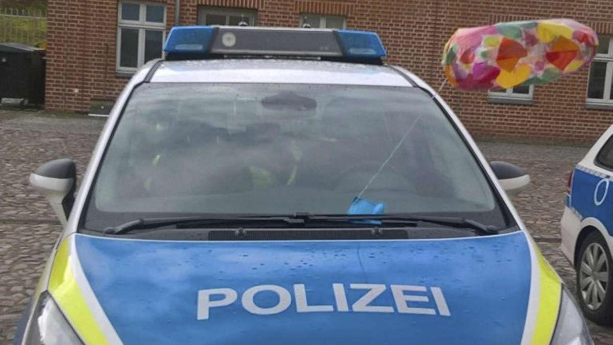 polizei verfolgt in brandenburg bunten luftballon eines dreij hrigen aus bad eilsen niedersachsen. Black Bedroom Furniture Sets. Home Design Ideas