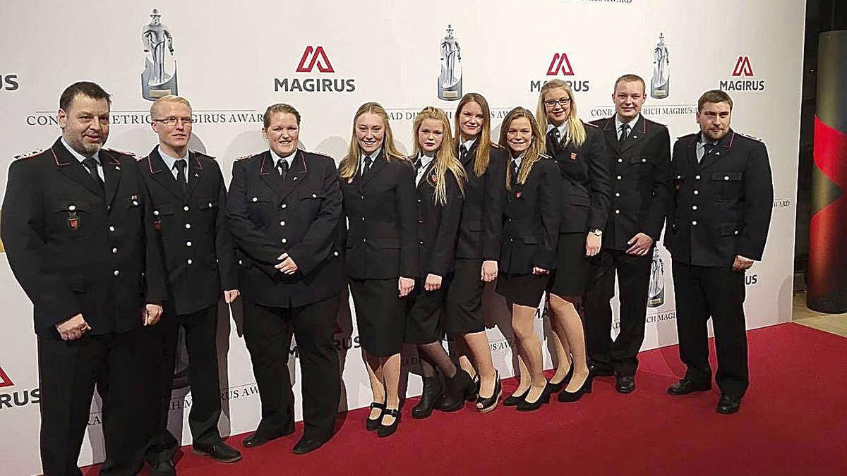 Bassener Feuerwehrfrauen gewinnen nicht den Award, aber