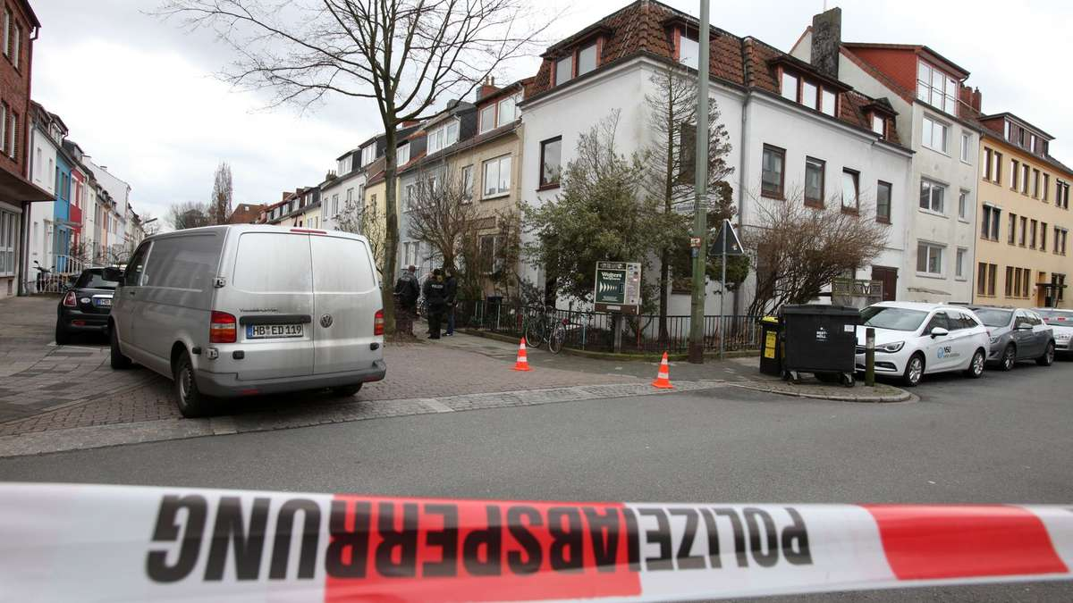 Feuerwehr Und Polizei Einsatz Am Dienstag In Bremen