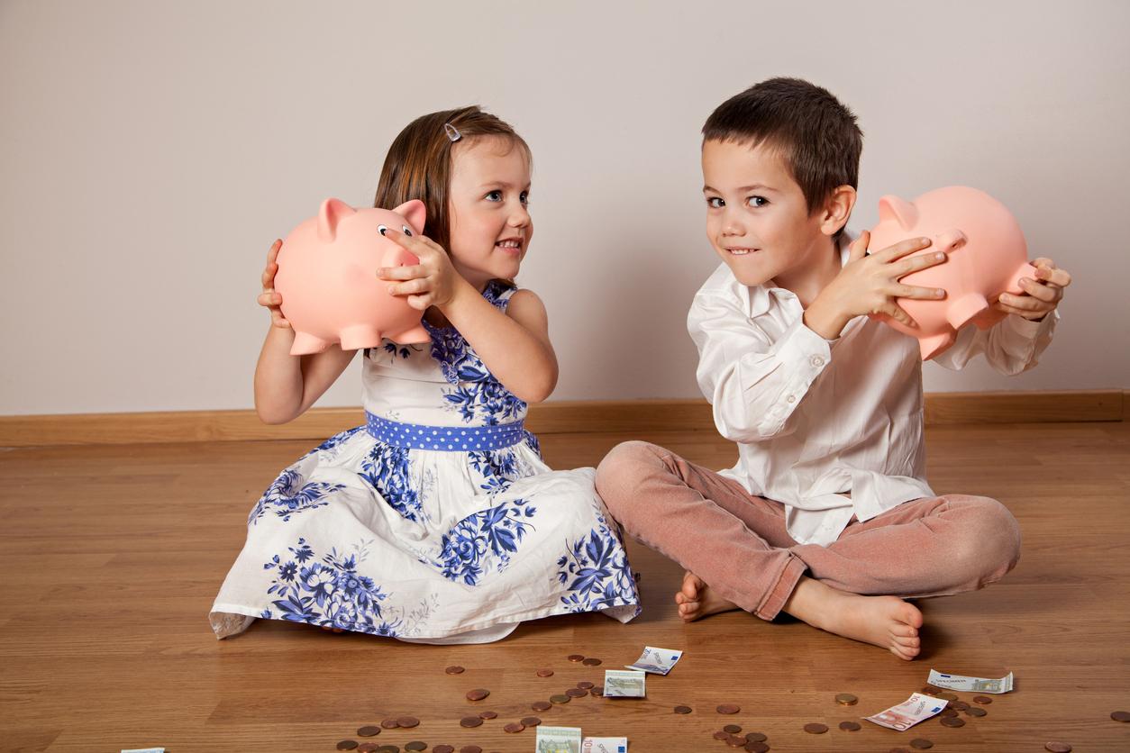 Geld sparen mit Familie ist nicht immer einfach. Doch wer ein paar Tricks kennt, kann sichbei der Steuererklärungeinige Euroszurückholen.