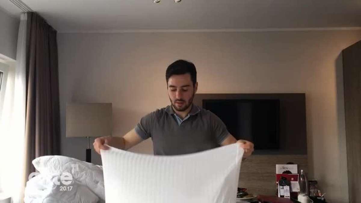 Versteckte Kamera Im Schlafzimmer. Komfortgröße Bettwäsche ...