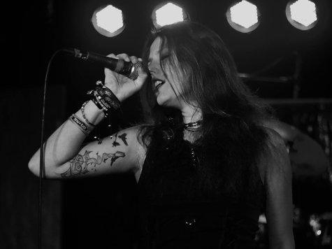 Fans trauern Sängerin 20 stirbt bei HorrorUnfall