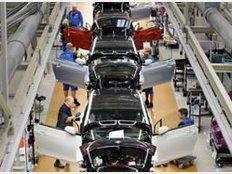 Branche: Manche Branchen zahlen traditionell mehr als in anderen. Zu den Gutverdienern zählen laut des Karriereportals experteer.de vor allem Maschinenbau, Pharmazie und die Automobilindustrie. Hier winkenEinstiegsgehälter von über 54.000 Euro.