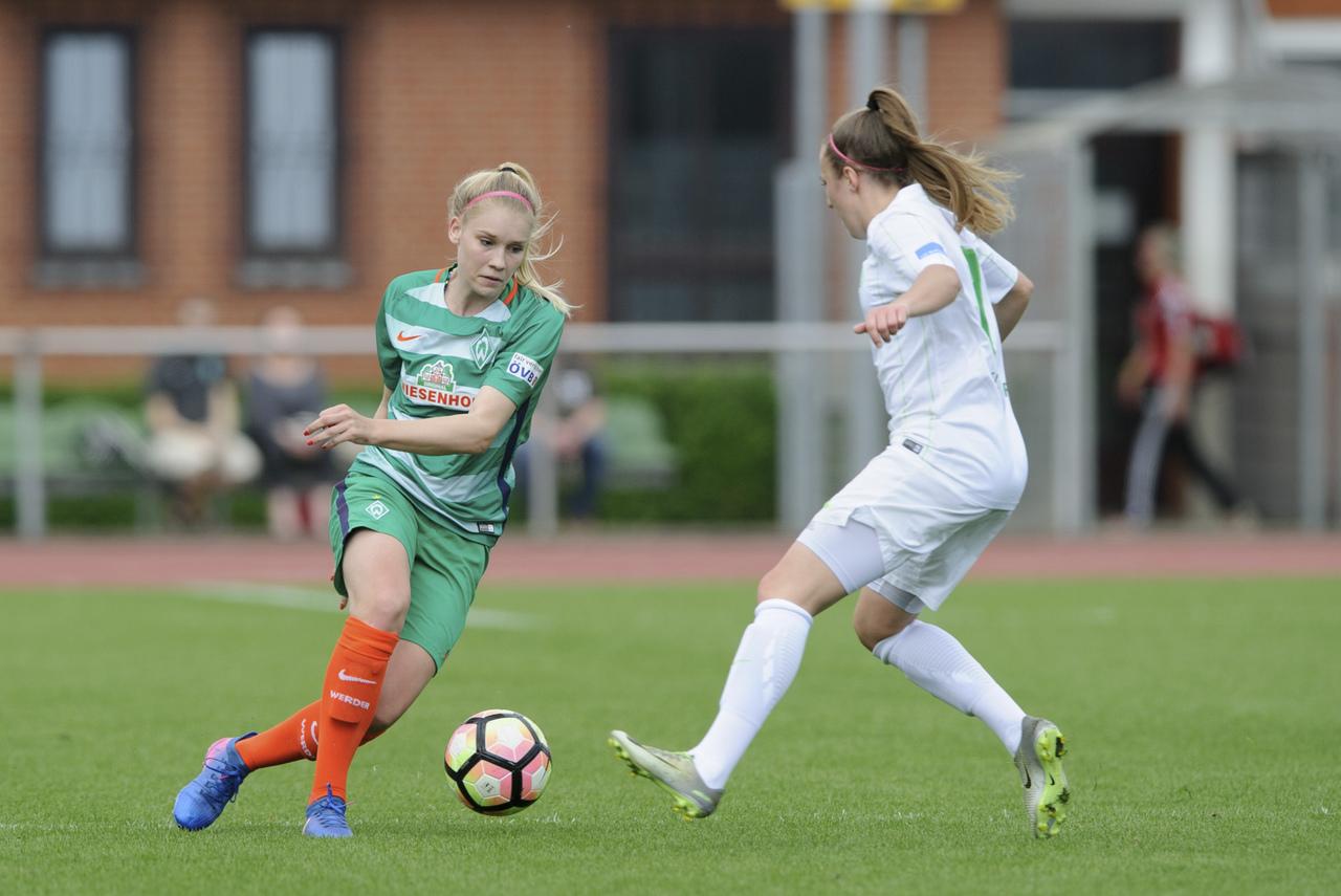 Fussball Frauen Von Werder Bremen Feiern Die Meisterschaft In
