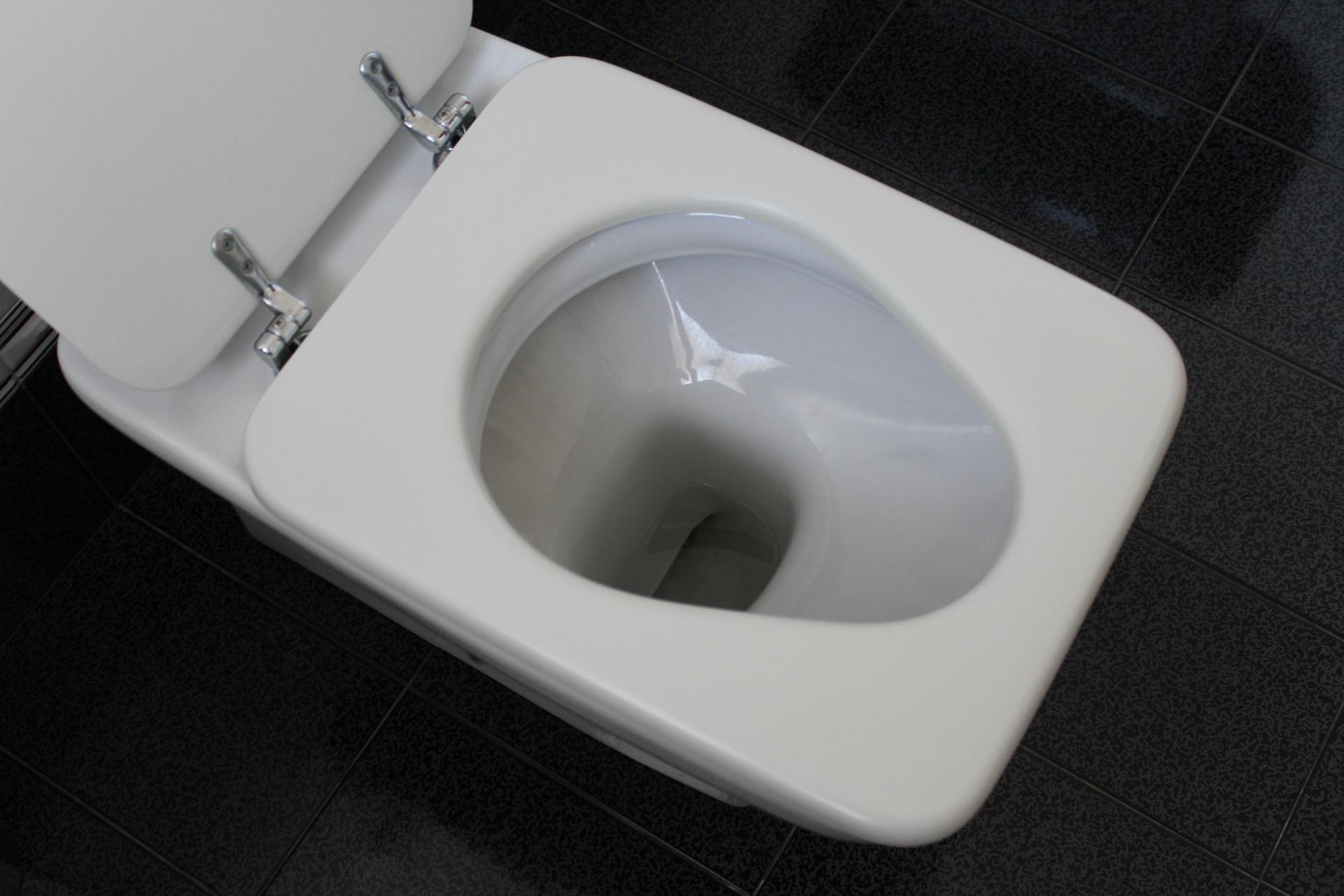 so werden sie braune ablagerungen in der toilette im nu. Black Bedroom Furniture Sets. Home Design Ideas