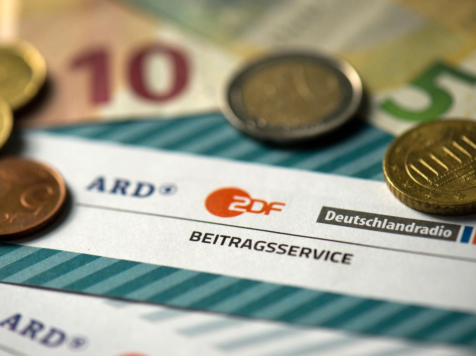 Der Rundfunkbeitrag wurde im April 2015 auf 17,50 Euro monatlich gesenkt.