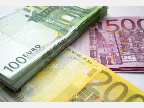 Wer in Deutschland ordentlich verdienen will, der sollte einen Blick auf diese 20 Unternehmen werfen. Das Karriere-Portal Glassdoor hat in einer Studie die Firmen ermittelt, bei denen Mitarbeiter mit den höchsten Gehältern und den besten Zusatzleistungen in Deutschland belohnt werden.