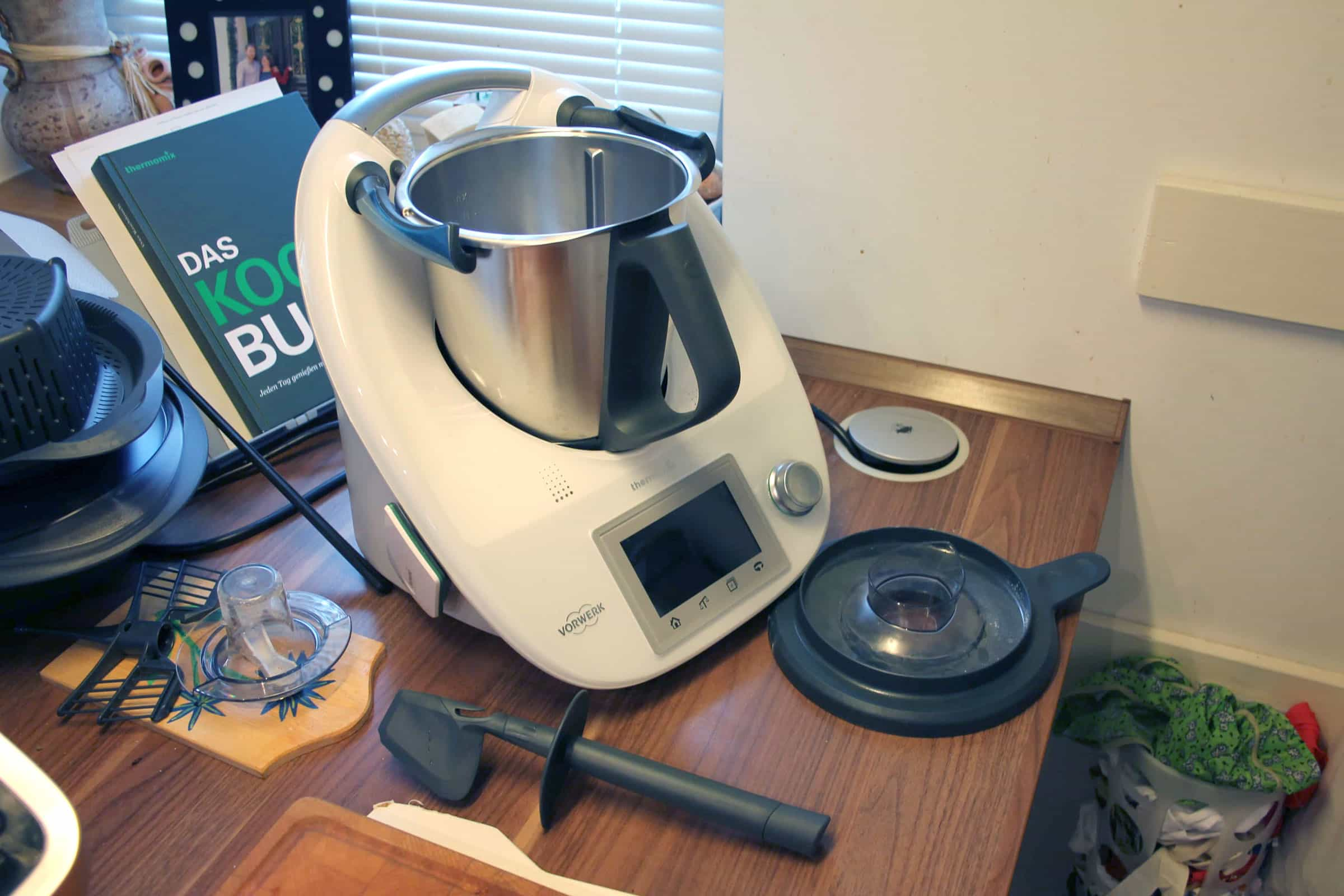 Nützlich oder nur teuer? Küchenmaschinen mit Kochfunktion im Test